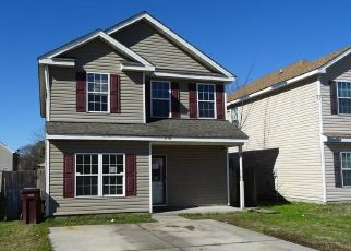 Foreclosed Home in Chesapeake 23324 CULLEN AVE - Property ID: 4458613100