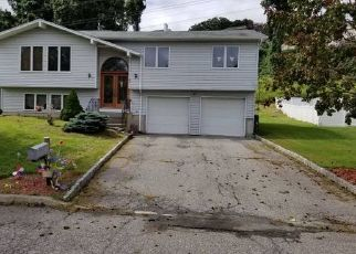 Foreclosed Home in Stony Point 10980 WALTER DR - Property ID: 4458682306