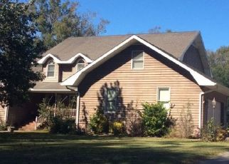 Foreclosed Home in Whiteville 28472 AUTUMN TRAIL DR - Property ID: 4458926258