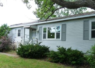 Foreclosed Home in Queensbury 12804 5TH ST - Property ID: 4458995909