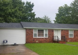 Foreclosed Home in Bolivar 38008 VIRGINIA DR - Property ID: 4459018674