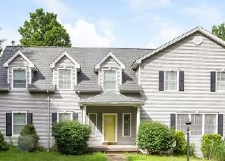 Foreclosed Home in Thomaston 06787 WALNUT HILL RD - Property ID: 4459028758