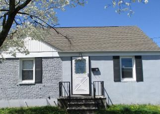 Foreclosed Home in Carteret 07008 WILLIAM ST - Property ID: 4459095311