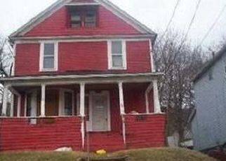 Foreclosed Home in Akron 44307 DOUGLAS ST - Property ID: 4459108455