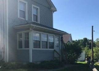 Foreclosed Home in Waterbury 06708 FRICENT ST - Property ID: 4459199110