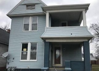 Foreclosed Home in Toledo 43607 PINEWOOD AVE - Property ID: 4459213126
