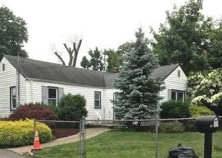 Foreclosed Home in Huntington Station 11746 TIPPIN DR - Property ID: 4459293279