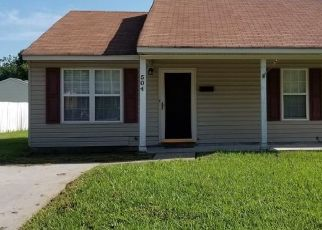 Foreclosed Home in Suffolk 23434 OSCEOLA AVE - Property ID: 4459412414
