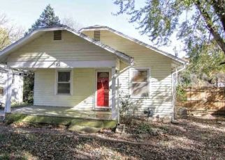 Foreclosed Home in Topeka 66606 SW MEDFORD AVE - Property ID: 4459414156