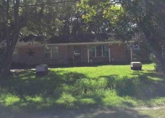 Foreclosed Home in Port Lavaca 77979 JACOB RD - Property ID: 4459573142