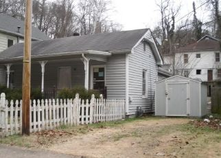 Foreclosed Home in Charleston 25302 GREENDALE DR - Property ID: 4459605560