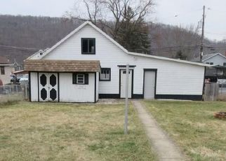 Foreclosed Home in Hollidaysburg 16648 MULBERRY ST - Property ID: 4459621322