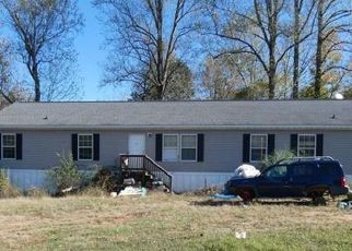 Foreclosed Home in Amelia Court House 23002 DYKELAND RD - Property ID: 4459647160