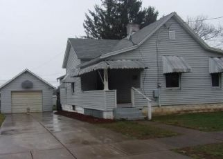 Foreclosed Home in Parkersburg 26101 DICKEL AVE - Property ID: 4459682648