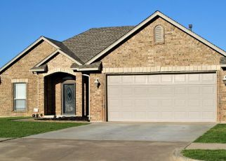 Foreclosed Home in Oklahoma City 73160 NOTTING HILL DR - Property ID: 4459750981