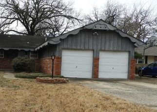 Foreclosed Home in Oklahoma City 73122 NW 37TH ST - Property ID: 4459761929