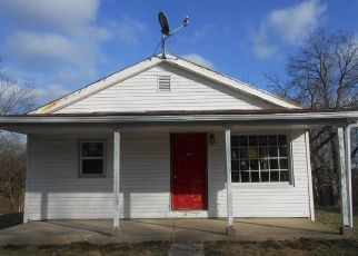 Foreclosed Home in Aurora 47001 HARTFORD RDG - Property ID: 4459945873