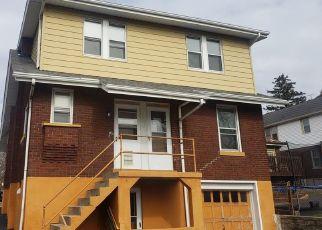 Foreclosed Home in Cincinnati 45211 DARWIN AVE - Property ID: 4459947621