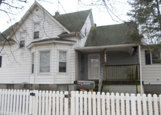 Foreclosed Home in Canton 61520 N 7TH AVE - Property ID: 4459983532