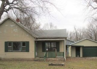 Foreclosed Home in Saint David 61563 8TH ST - Property ID: 4459984854
