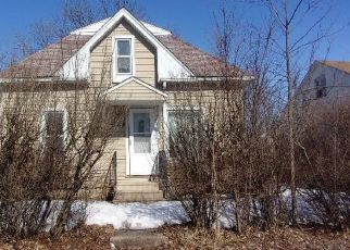 Foreclosed Home in Waterloo 50703 RIEHL ST - Property ID: 4459993606