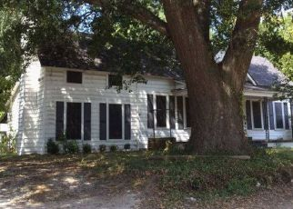 Foreclosed Home in Overton 75684 S WILLIAMS ST - Property ID: 4460159146