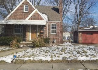 Foreclosed Home in Lincoln Park 48146 RIVERBANK ST - Property ID: 4460274341