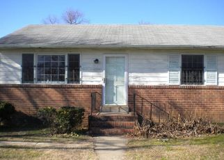 Foreclosed Home in Richmond 23224 BROAD ROCK BLVD - Property ID: 4460358887