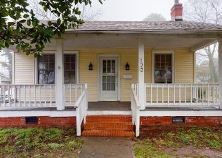 Foreclosed Home in Hampton 23661 PEAR AVE - Property ID: 4460370707