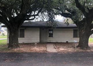 Foreclosed Home in Sealy 77474 CLEVELAND ST - Property ID: 4460419759