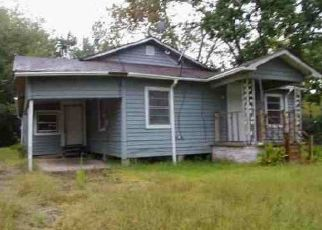 Foreclosed Home in Lufkin 75904 CAIRO ST - Property ID: 4460440784