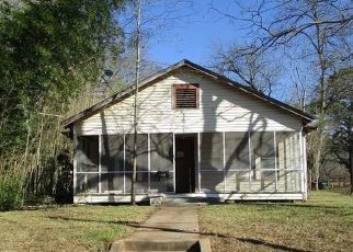 Foreclosed Home in Marshall 75670 WILLOW ST - Property ID: 4460450857