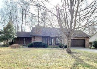 Foreclosed Home in Knoxville 37931 CLAIRSON DR - Property ID: 4460460932