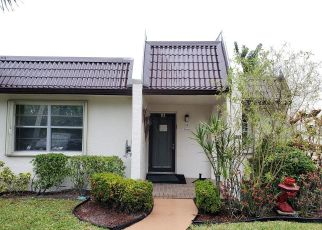 Foreclosed Home in West Palm Beach 33411 LAKE SUSAN DR - Property ID: 4460675981