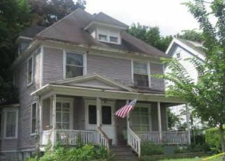 Foreclosed Home in Syracuse 13207 CHARMOUTH DR - Property ID: 4460729400