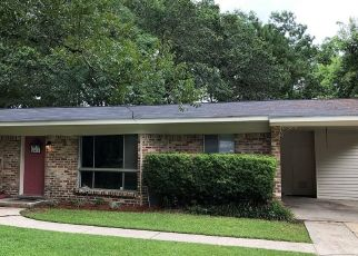 Foreclosed Home in Mobile 36605 YORKSHIRE RD - Property ID: 4460935691