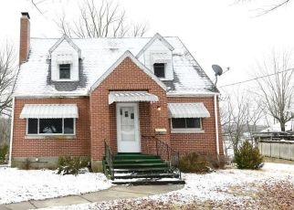 Foreclosed Home in Jefferson City 65101 GREEN BERRY RD - Property ID: 4460971155