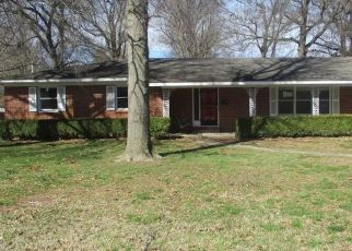 Foreclosed Home in Sikeston 63801 KRAMER DR - Property ID: 4460993950