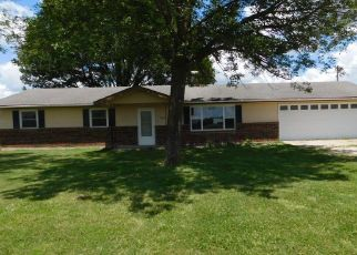 Foreclosed Home in Cairo 65239 COUNTY ROAD 1390 - Property ID: 4461007514