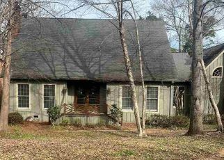 Foreclosed Home in Jackson 39211 AVERY CIR - Property ID: 4461016714