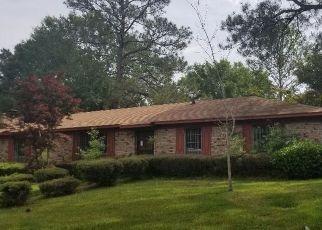 Foreclosed Home in Jackson 39213 VAN BUREN RD - Property ID: 4461041230