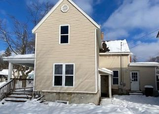 Foreclosed Home in Cadillac 49601 E PINE ST - Property ID: 4461107368