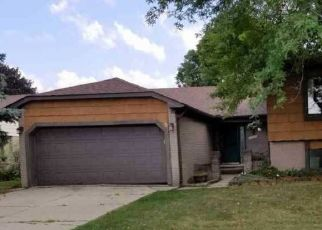 Foreclosed Home in Clinton Township 48038 ROYAL LN - Property ID: 4461142854