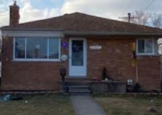 Foreclosed Home in Saint Clair Shores 48081 URSULINE ST - Property ID: 4461156425