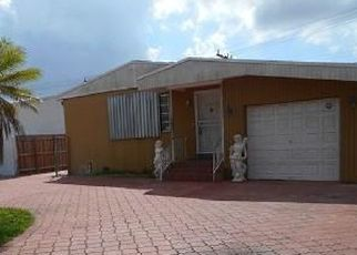 Foreclosed Home in Miami 33155 SW 38TH ST - Property ID: 4461192787