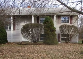 Foreclosed Home in New Haven 46774 WOODMERE DR - Property ID: 4461366660