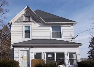 Foreclosed Home in Dixon 61021 N HENNEPIN AVE - Property ID: 4461368852