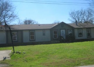 Foreclosed Home in Lockhart 78644 PEAR ST - Property ID: 4461438929