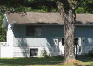 Foreclosed Home in Brookfield 06804 WHISCONIER RD - Property ID: 4461530450