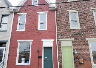 Foreclosed Home in Harrisburg 17102 KELKER ST - Property ID: 4461563749